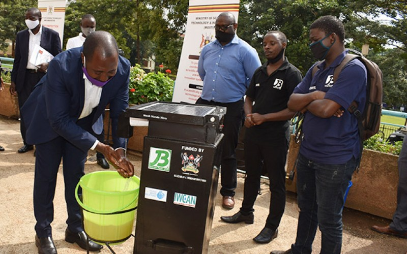 Mak unveils a Touchless Handwashing Kit for public shared spaces in response to COVID-19 pandemic